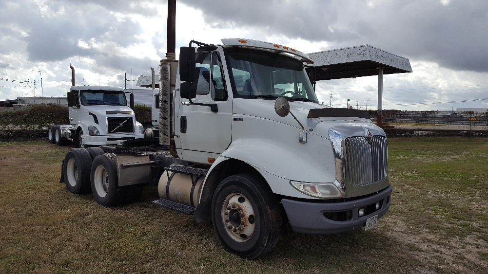 Day Cab Tractor-Heavy Duty Tractors-International-2011-8600-BRENHAM-TX-411,814 miles-$15,000