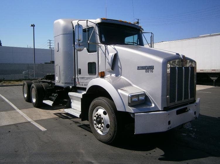 Sleeper Tractor-Heavy Duty Tractors-Kenworth-2011-T800-LA MIRADA-CA-240,998 miles-$46,000