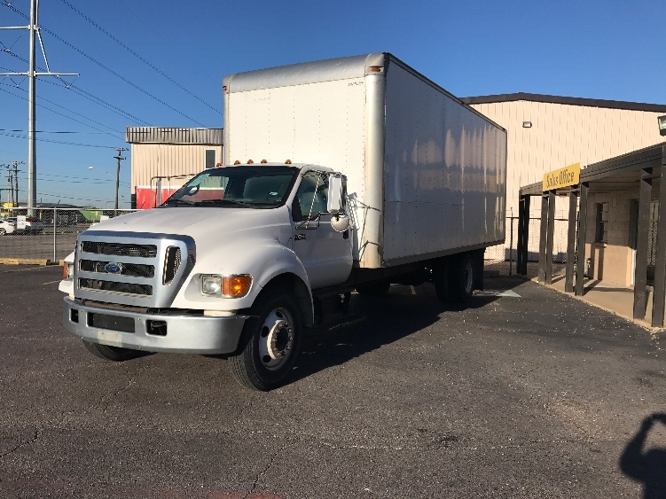 Medium Duty Box Truck-Light and Medium Duty Trucks-Ford-2006-F650-DALLAS-TX-355,186 miles-$11,500