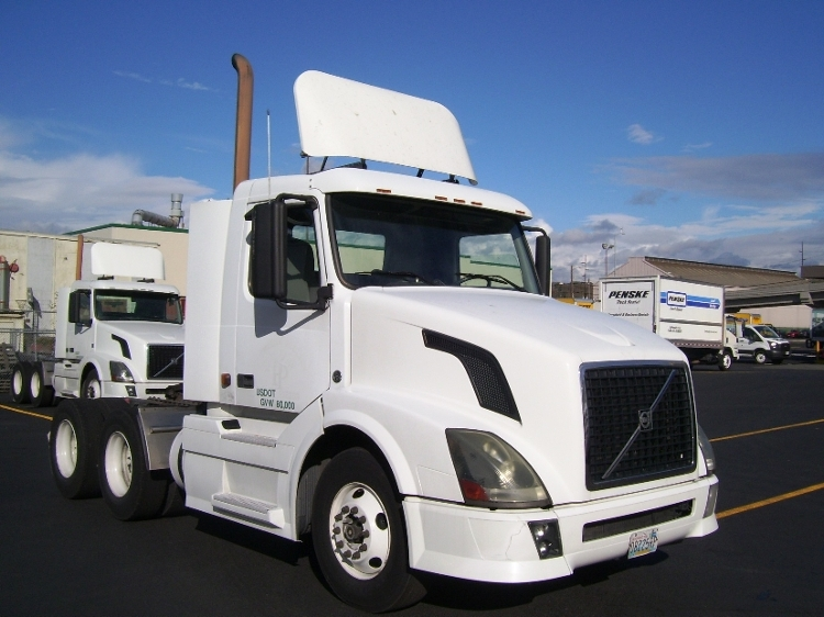 Day Cab Tractor-Heavy Duty Tractors-Volvo-2007-VNL64T300-SEATTLE-WA-503,438 miles-$24,000