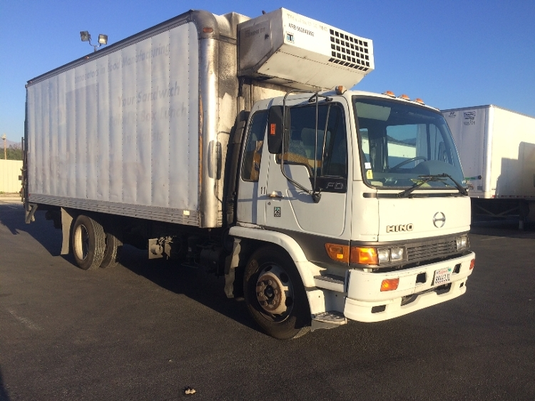 Reefer Truck-Light and Medium Duty Trucks-Hino-2000-FD-SUN VALLEY-CA-657,212 miles-$5,000