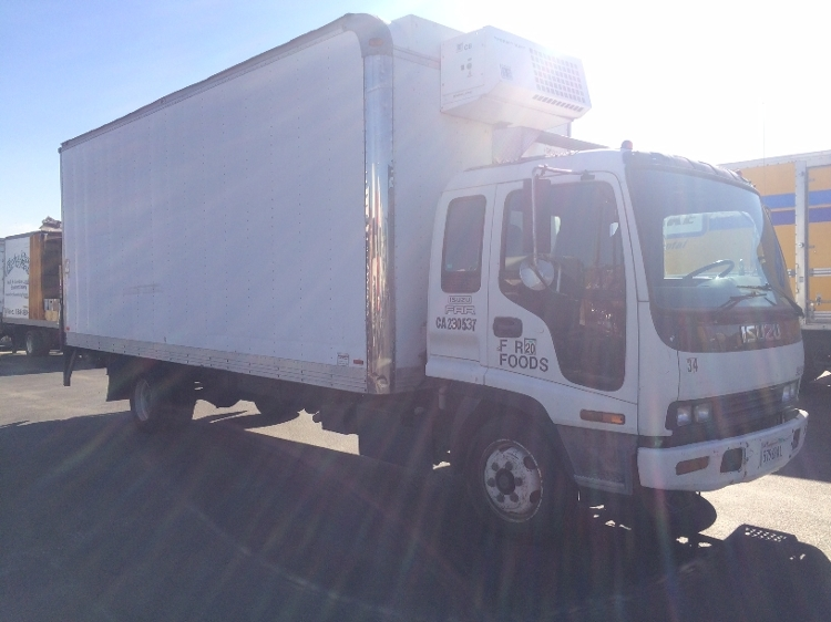 Reefer Truck-Light and Medium Duty Trucks-Isuzu-2002-NQR-SUN VALLEY-CA-659,946 miles-$3,500