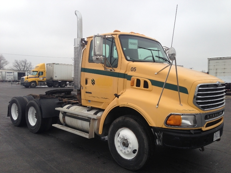 Day Cab Tractor-Heavy Duty Tractors-Sterling-2005-A9500-SOUTH HOLLAND-IL-413,719 miles-$14,500