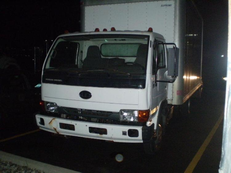 Medium Duty Box Truck-Light and Medium Duty Trucks-Nissan-2004-UD1400-ELKHART-IN-125,299 miles-$5,500