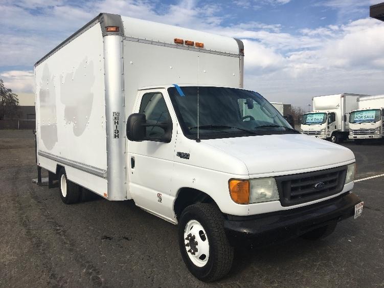 Medium Duty Box Truck-Light and Medium Duty Trucks-Ford-2004-E350-WEST SACRAMENTO-CA-212,232 miles-$10,250