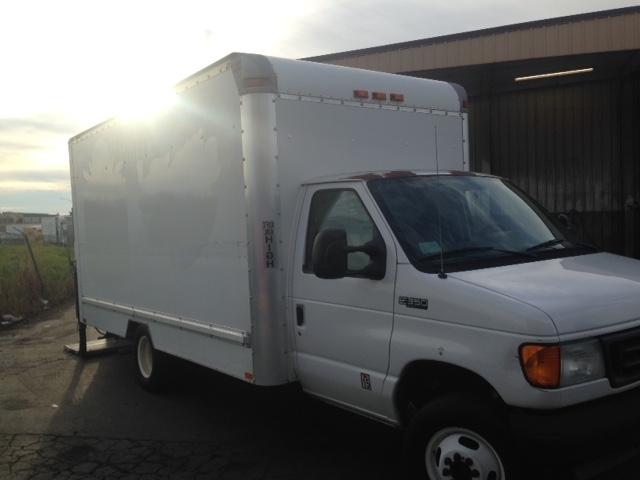 Medium Duty Box Truck-Light and Medium Duty Trucks-Ford-2004-E350-WEST SACRAMENTO-CA-298,099 miles-$7,750