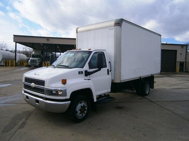 Medium Duty Box Truck-Light and Medium Duty Trucks-Chevrolet-2006-C5C042-HARTFORD-CT-108,654 miles-$15,750