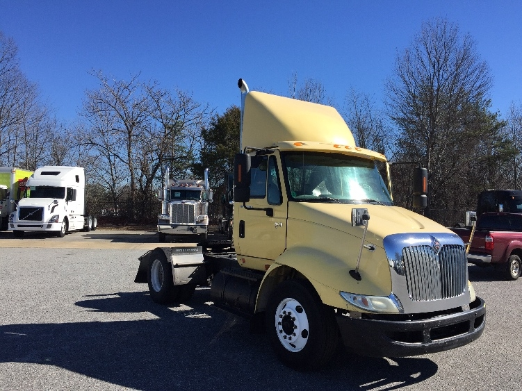 Day Cab Tractor-Heavy Duty Tractors-International-2007-8600-GREENSBORO-NC-390,558 miles-$15,000