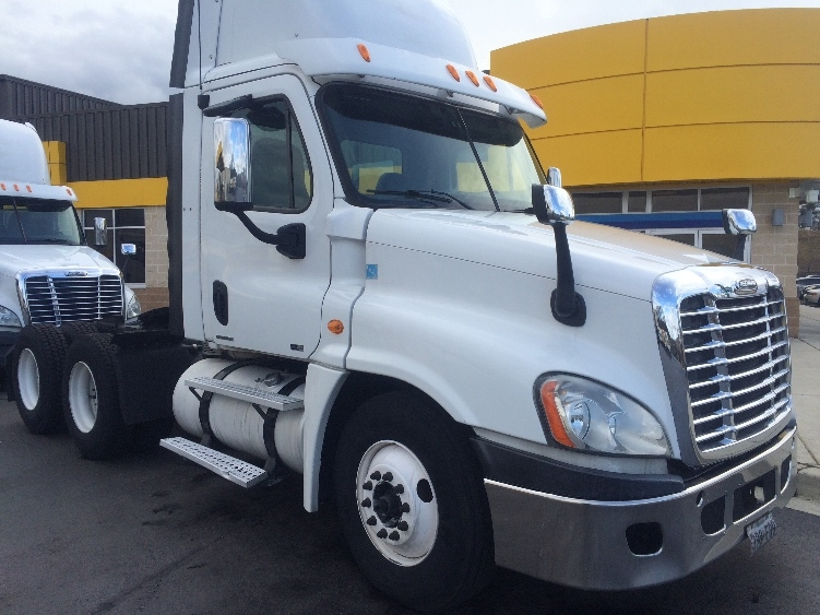 Day Cab Tractor-Heavy Duty Tractors-Freightliner-2010-Cascadia 12564ST-BALTIMORE-MD-590,317 miles-$23,500