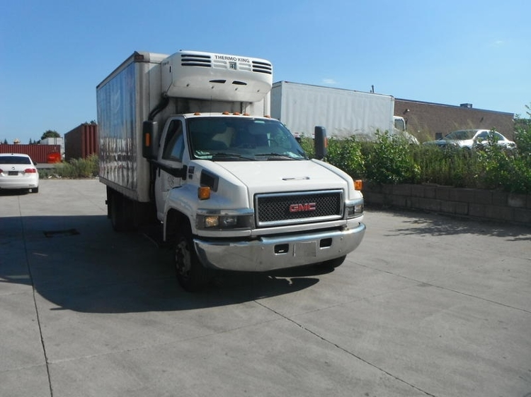Reefer Truck-Light and Medium Duty Trucks-GMC-2006-C4C042-MISSISSAUGA-ON-262,955 km-$25,500
