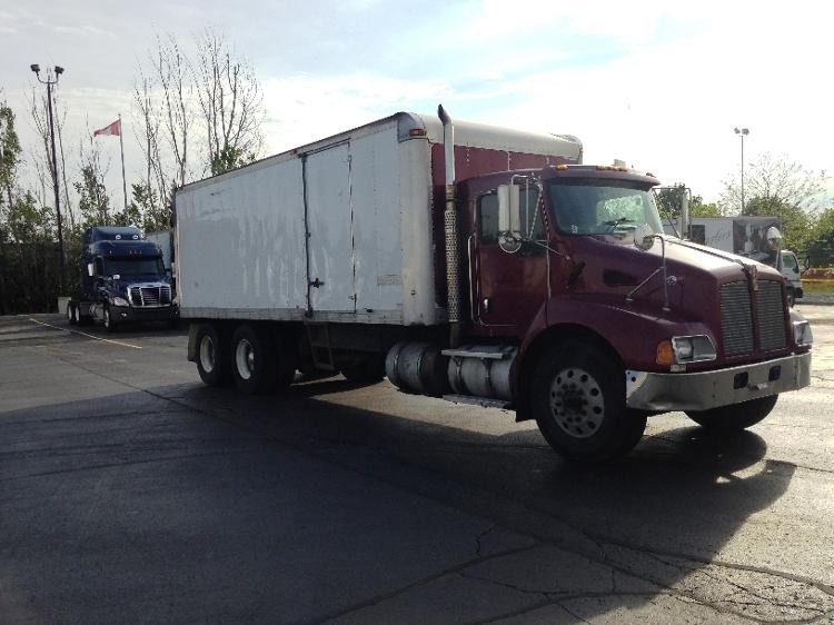 Medium Duty Box Truck-Light and Medium Duty Trucks-Kenworth-2004-T300-BRAMPTON-ON-466,663 km-$13,750