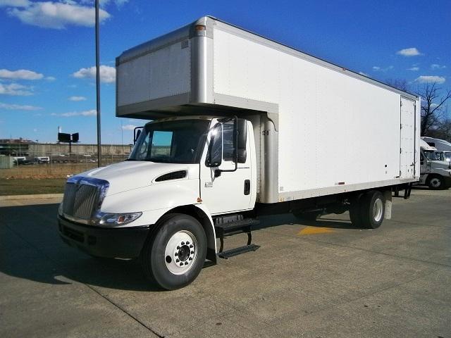 Medium Duty Box Truck-Light and Medium Duty Trucks-International-2005-4300-HARTFORD-CT-130,400 miles-$22,250