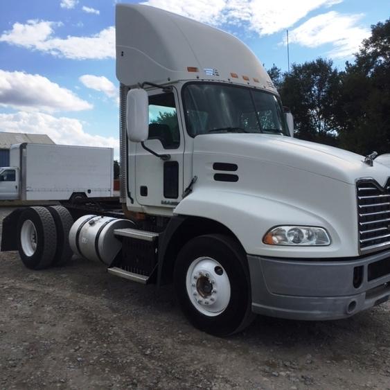 Day Cab Tractor-Heavy Duty Tractors-Mack-2010-CXU612-CLINTON-PA-477,799 miles-$19,500