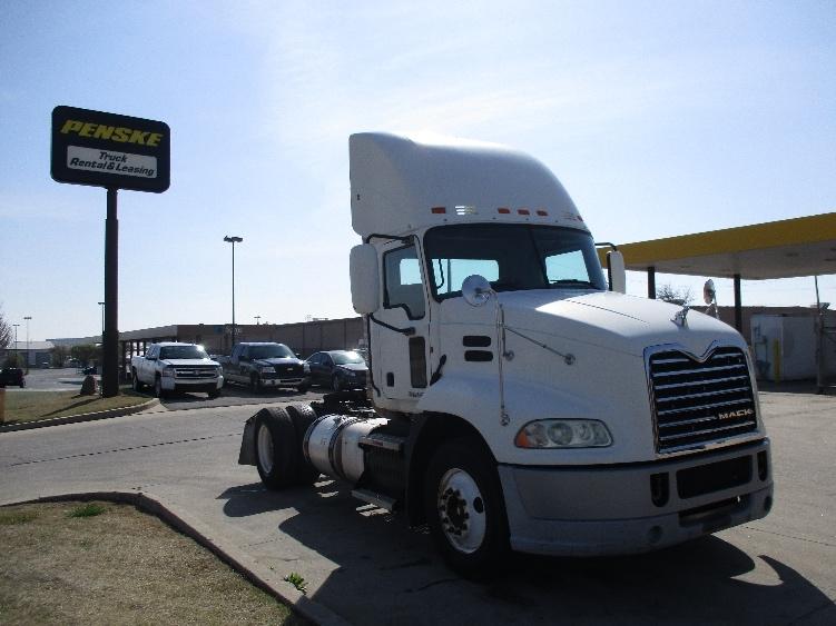 Day Cab Tractor-Heavy Duty Tractors-Mack-2011-CXU612-OKLAHOMA CITY-OK-369,174 miles-$30,250