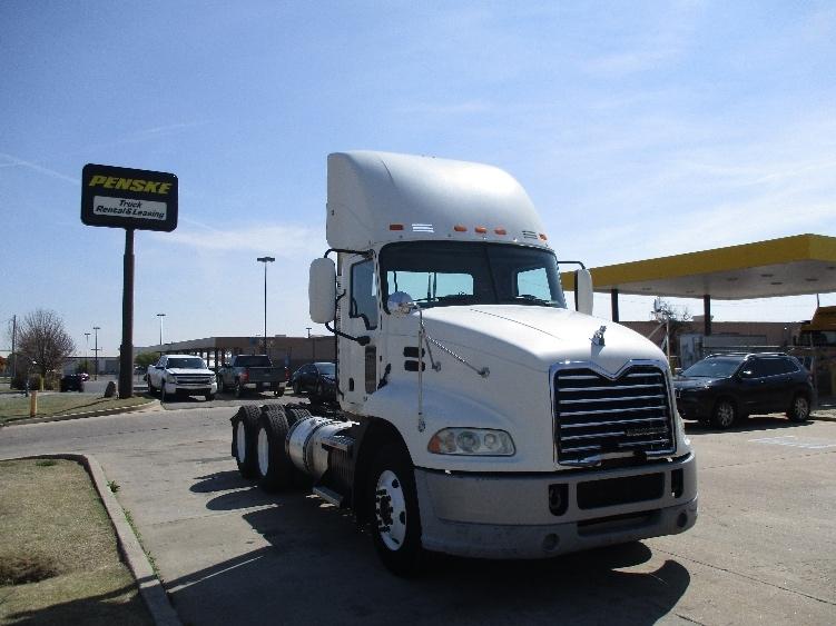 Day Cab Tractor-Heavy Duty Tractors-Mack-2011-CXU613-OKLAHOMA CITY-OK-504,279 miles-$32,000