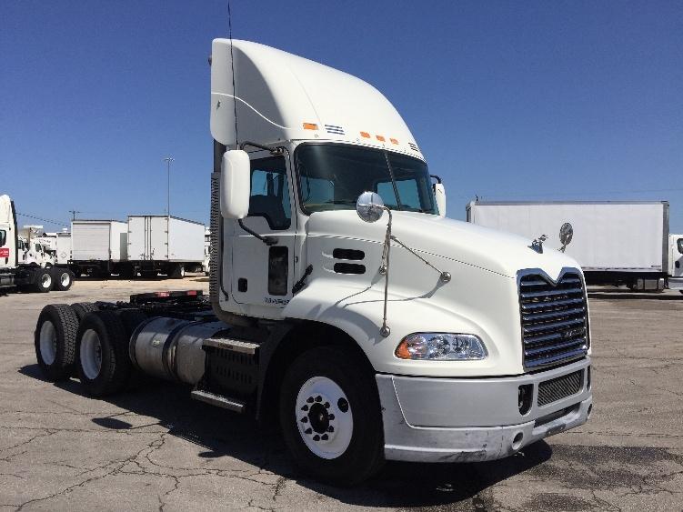 Day Cab Tractor-Heavy Duty Tractors-Mack-2011-CXU613-SAN ANTONIO-TX-373,174 miles-$32,500
