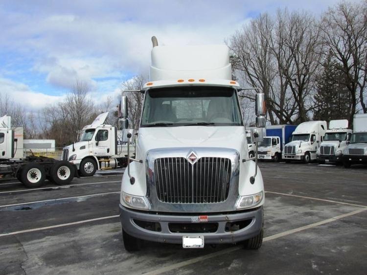 Day Cab Tractor-Heavy Duty Tractors-International-2011-8600-ALBANY-NY-333,335 miles-$12,500