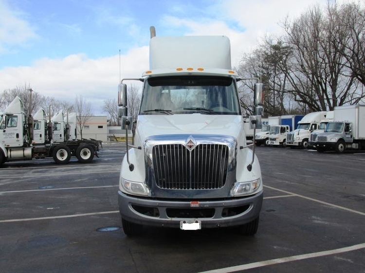 Day Cab Tractor-Heavy Duty Tractors-International-2013-8600-ALBANY-NY-212,547 miles-$14,500
