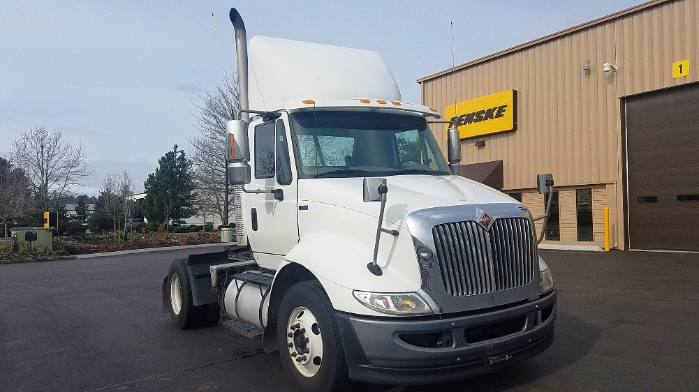 Day Cab Tractor-Heavy Duty Tractors-International-2013-8600-KENT-WA-156,600 miles-$19,000