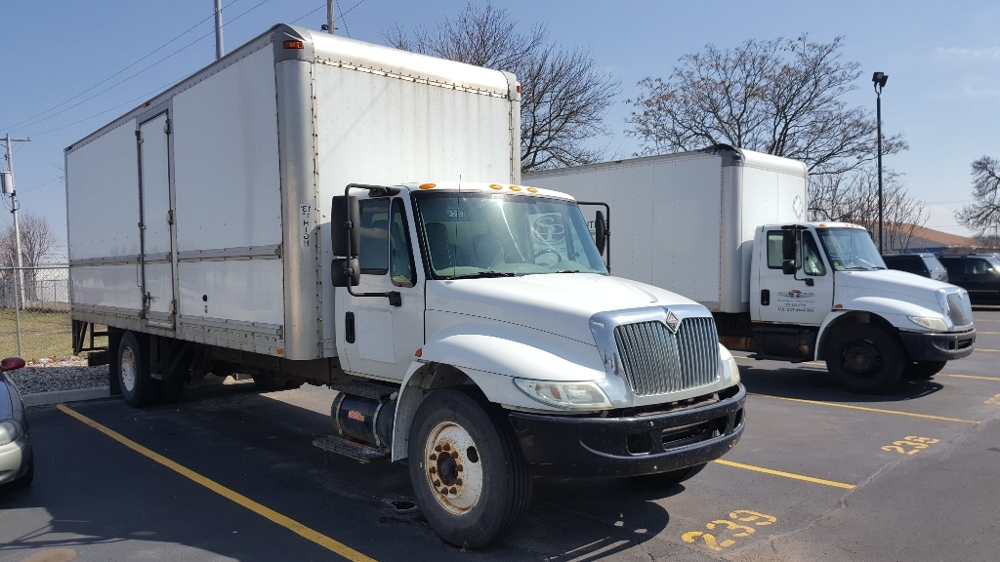 Medium Duty Box Truck-Light and Medium Duty Trucks-International-2006-4300-ELKHART-IN-355,306 miles-$5,750