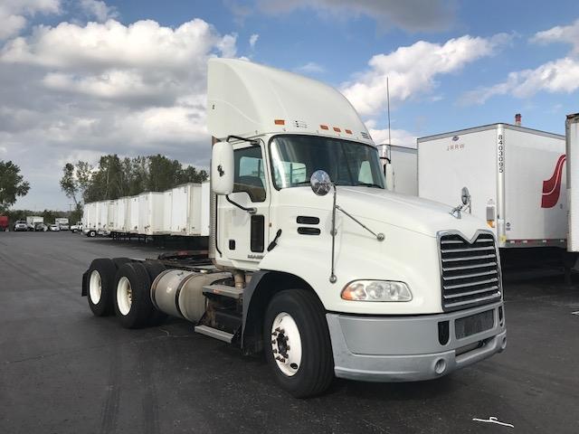 Day Cab Tractor-Heavy Duty Tractors-Mack-2011-CXU613-KANSAS CITY-MO-533,846 miles-$31,500