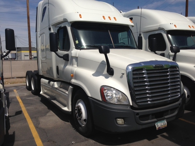 Sleeper Tractor-Heavy Duty Tractors-Freightliner-2012-Cascadia 12564ST-PHOENIX-AZ-718,917 miles-$32,750
