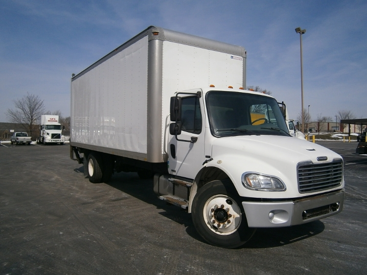 Medium Duty Box Truck-Light and Medium Duty Trucks-Freightliner-2006-M2-BETHLEHEM-PA-300,517 miles-$13,250