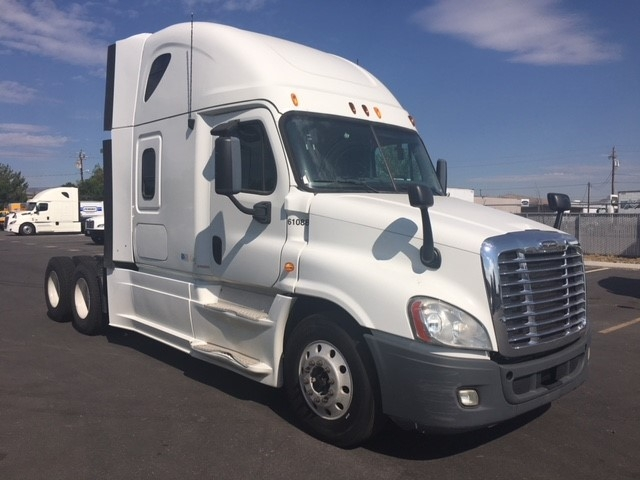 Sleeper Tractor-Heavy Duty Tractors-Freightliner-2013-Cascadia 12564ST-SPARKS-NV-554,354 miles-$44,250