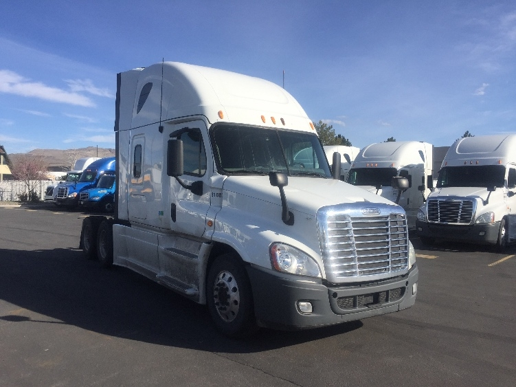 Sleeper Tractor-Heavy Duty Tractors-Freightliner-2013-Cascadia 12564ST-SPARKS-NV-706,868 miles-$35,750