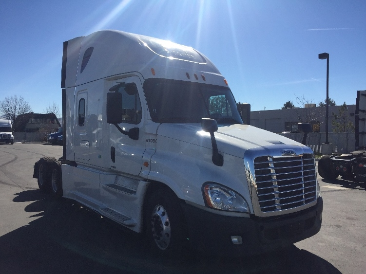 Sleeper Tractor-Heavy Duty Tractors-Freightliner-2014-Cascadia 12564ST-SPARKS-NV-650,730 miles-$48,250
