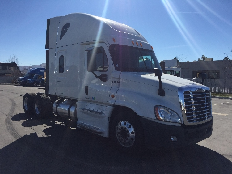 Sleeper Tractor-Heavy Duty Tractors-Freightliner-2014-Cascadia 12564ST-SPARKS-NV-648,592 miles-$49,500