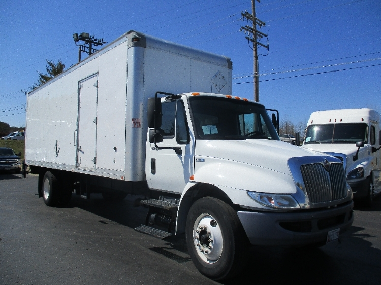Medium Duty Box Truck-Light and Medium Duty Trucks-International-2011-4300-ESSEX-MD-251,906 miles-$23,250