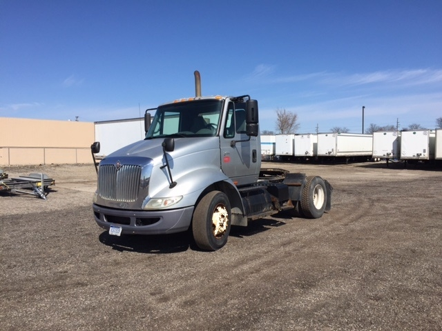 Day Cab Tractor-Heavy Duty Tractors-International-2005-8600-WARREN-MI-346,679 miles-$12,000
