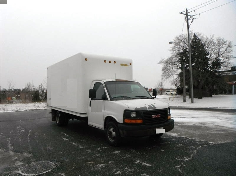 Medium Duty Box Truck-Light and Medium Duty Trucks-GMC-2007-G33503-SCARBOROUGH-ON-300,765 km-$8,000