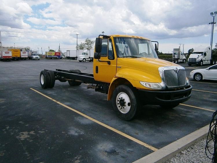 Cab and Chassis Truck-Light and Medium Duty Trucks-International-2009-4300-ETOBICOKE-ON-314,804 km-$21,000