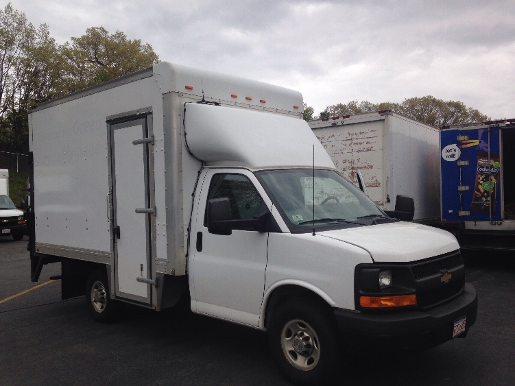 Light Duty Box Truck-Light and Medium Duty Trucks-Chevrolet-2013-G33503-LAWRENCE-MA-116,727 miles-$19,250