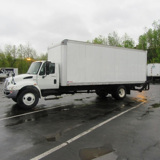Medium Duty Box Truck-Light and Medium Duty Trucks-International-2011-4300M7-BINGHAMTON-NY-204,815 miles-$20,500