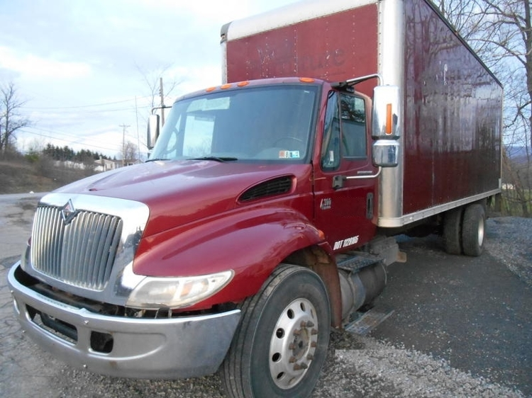 Medium Duty Box Truck-Specialized Equipment-International-2004-4300-DUNCANSVILLE-PA-496,204 miles-$6,500