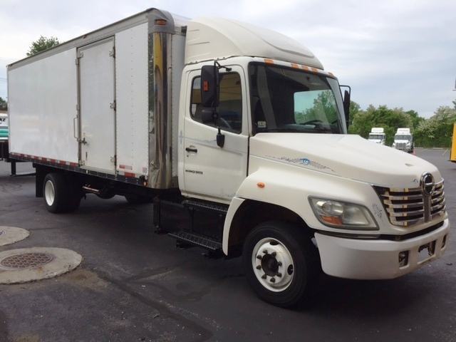 Medium Duty Box Truck-Light and Medium Duty Trucks-Hino-2007-258LP-CHICOPEE-MA-253,055 miles-$17,500
