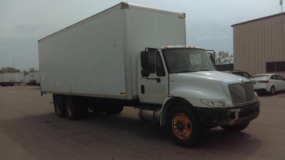 Medium Duty Box Truck-Light and Medium Duty Trucks-International-2004-4400-WAUKEGAN-IL-348,647 miles-$10,500