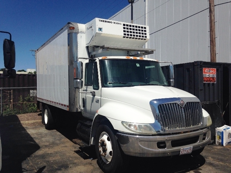 Reefer Truck-TRUCK-International-2004-4300-MEDFORD-MA-555,098 miles-$7,500