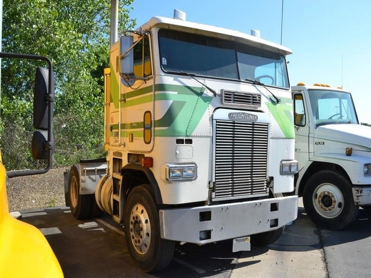 Day Cab Tractor-Heavy Duty Tractors-Freightliner-1989-FLA8642T-FRESNO-CA-1,027,301 miles-$4,250