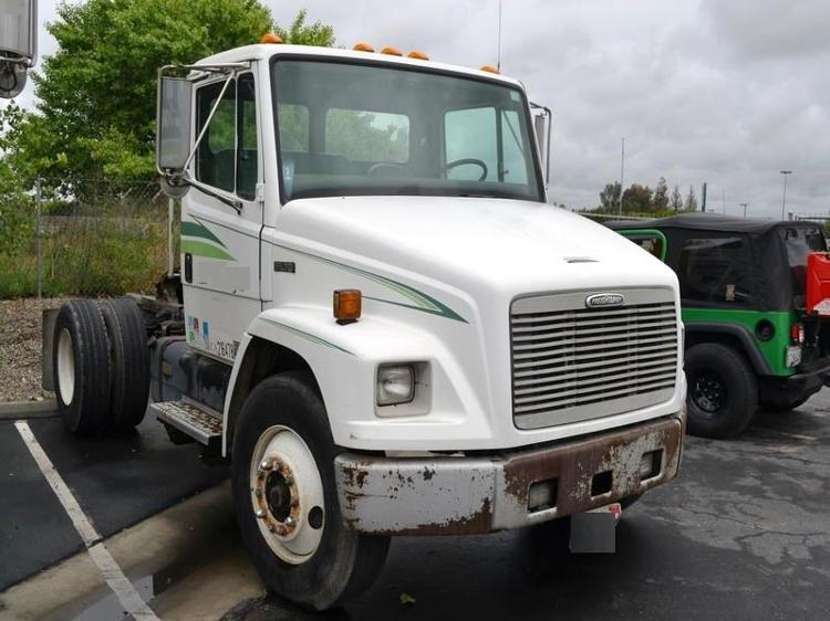 Day Cab Tractor-Heavy Duty Tractors-Freightliner-1999-FL70-FRESNO-CA-348,376 miles-$4,500