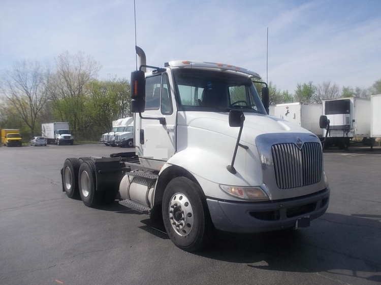 Day Cab Tractor-Heavy Duty Tractors-International-2007-8600-SOUTH HOLLAND-IL-335,389 miles-$14,750