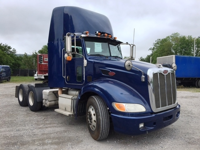 Day Cab Tractor-Heavy Duty Tractors-Peterbilt-2008-386-READING-PA-648,805 miles-$25,750