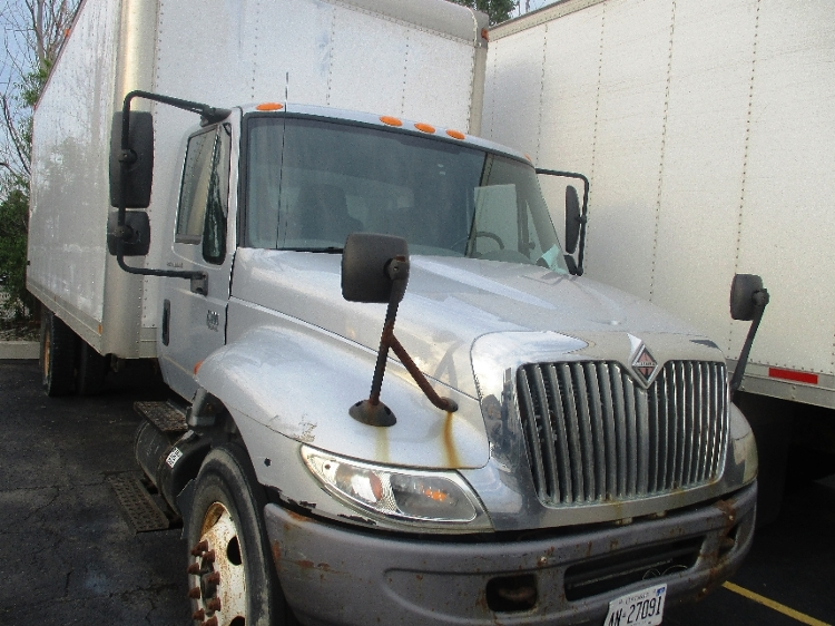 Medium Duty Box Truck-Light and Medium Duty Trucks-International-2006-4300-BRAMPTON-ON-216,963 km-$5,750