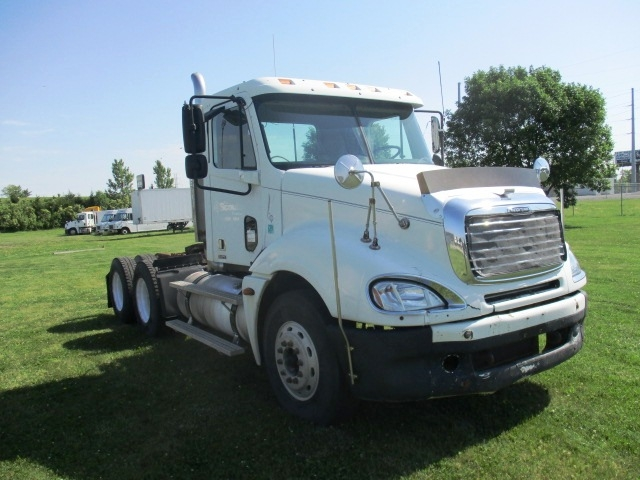Day Cab Tractor-Heavy Duty Tractors-Freightliner-2006-Columbia CL12064ST-OMAHA-NE-551,032 miles-$21,000