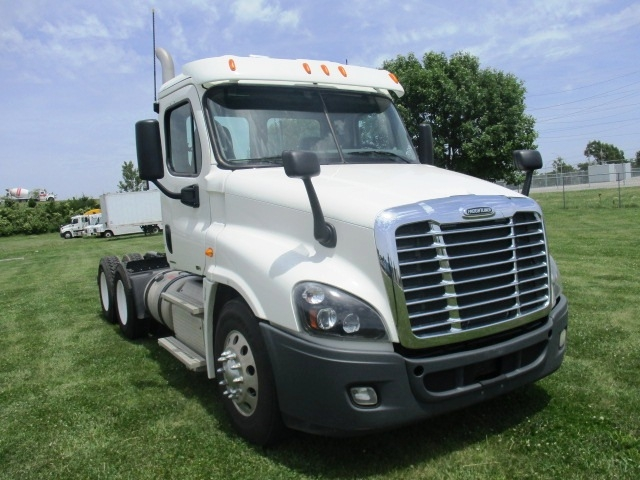 Day Cab Tractor-Heavy Duty Tractors-Freightliner-2012-Cascadia 12564ST-OMAHA-NE-287,268 miles-$41,750