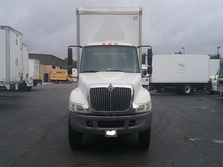 Medium Duty Box Truck-TRUCK-International-2006-4300-CHESAPEAKE-VA-308,904 miles-$13,500