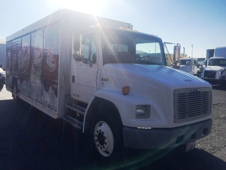 Beverage Truck-Heavy Duty Tractors-Freightliner-2002-FL70-TACOMA-WA-186,187 miles-$17,000